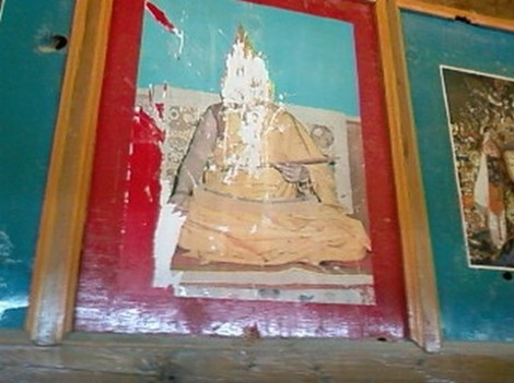 1_tibetan_buddhist_monastery_deface